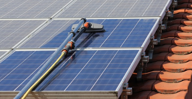 How to properly clean solar panels
